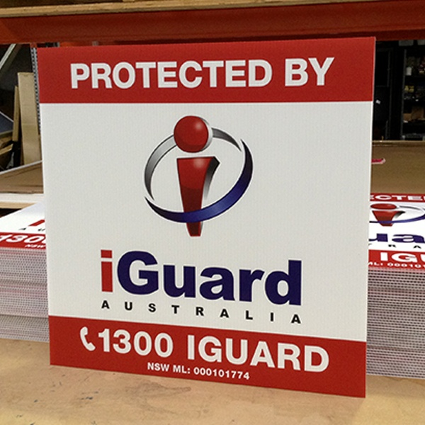 how to cut corrugated plastic signs